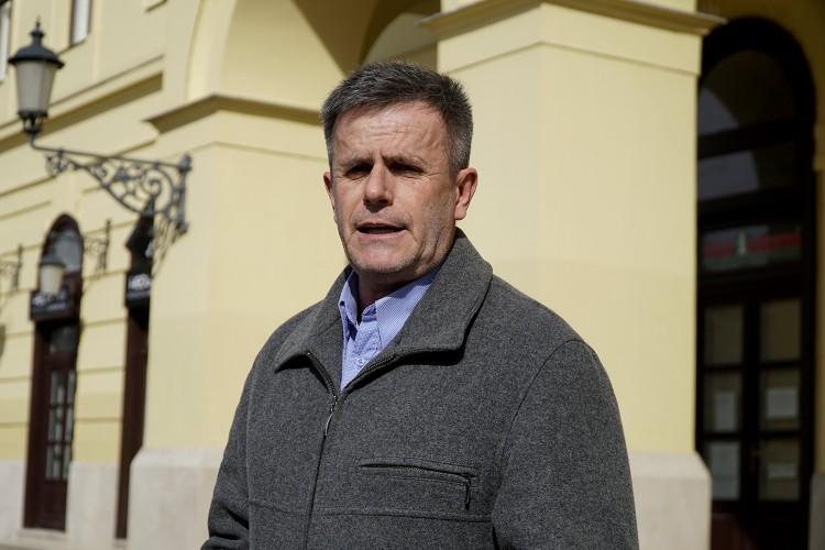 Varga Zoltán gyávának nevezi Papp Lászlót
