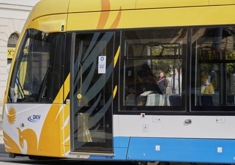 Beütött a ménkű Debrecenben: leálltak a villamosok