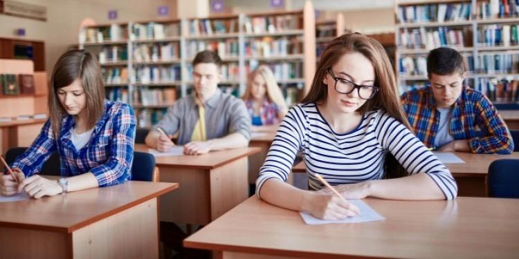 Ötéves technikumok lesznek a szakgimnáziumokból