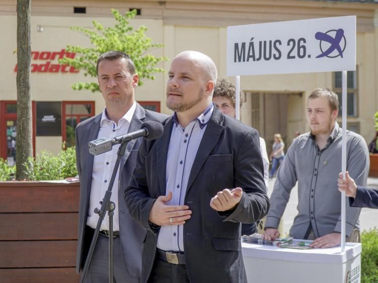 Feliratos filmeket is sürgetett a Jobbik Debrecenben
