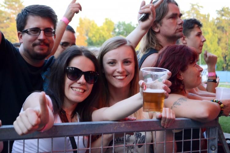 Már fesztiváloznak Debrecenben, de még alkohol nélkül...