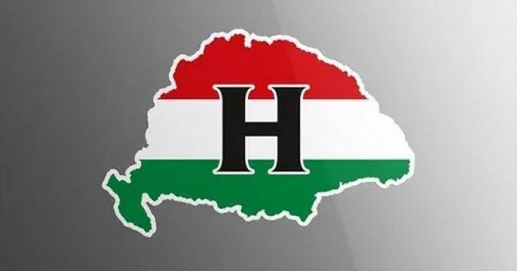 Nagy-Magyarország autómatricával kampányolnak
