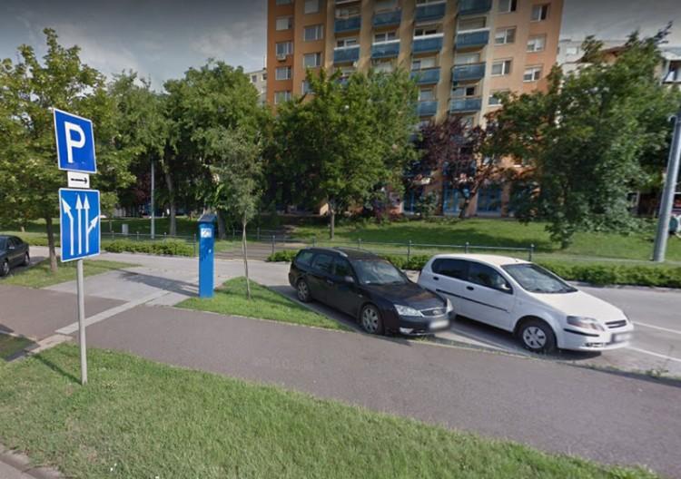 Így parkol Debrecen húsvétkor