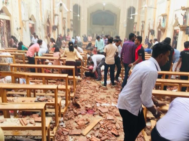 Templomoknál és szállodáknál robbantottak húsvétvasárnap