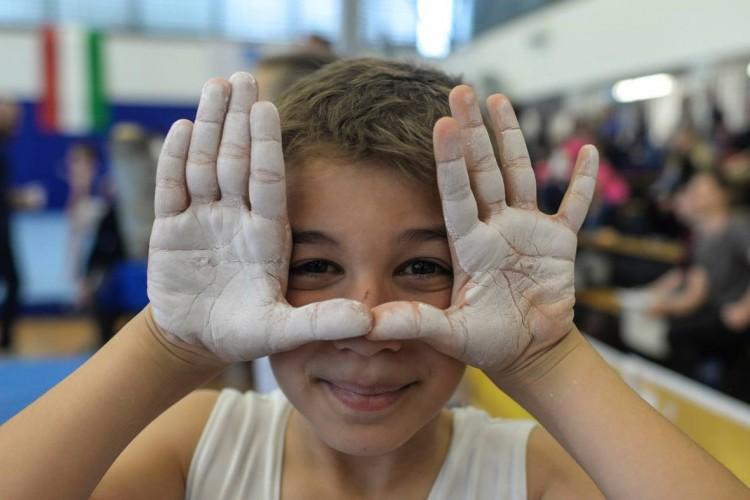 Aranyba foglalták a hétvégét két debreceni iskola tornászai