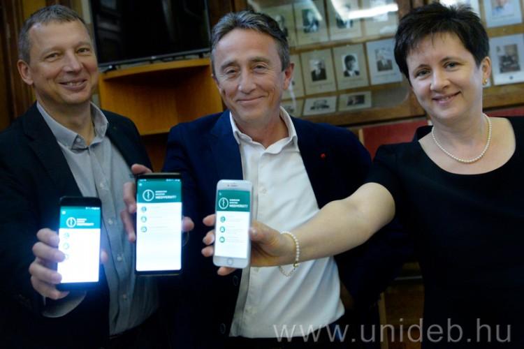 Már a Kenézyben is mobilos applikáció segíti a betegeket