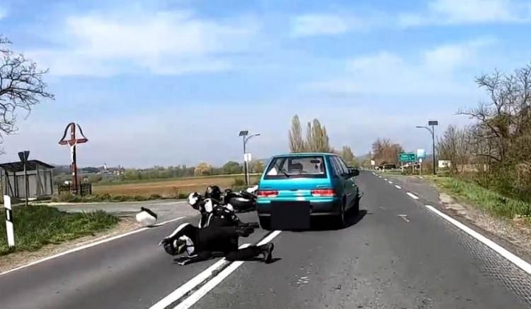 Egy magyarországi balesetről készült sokkoló videó borzolja az idegeket