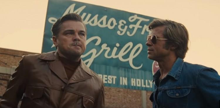 Brad Pitt, DiCaprio, Tarantino és egy szexi szőke – kizárt a bukás!