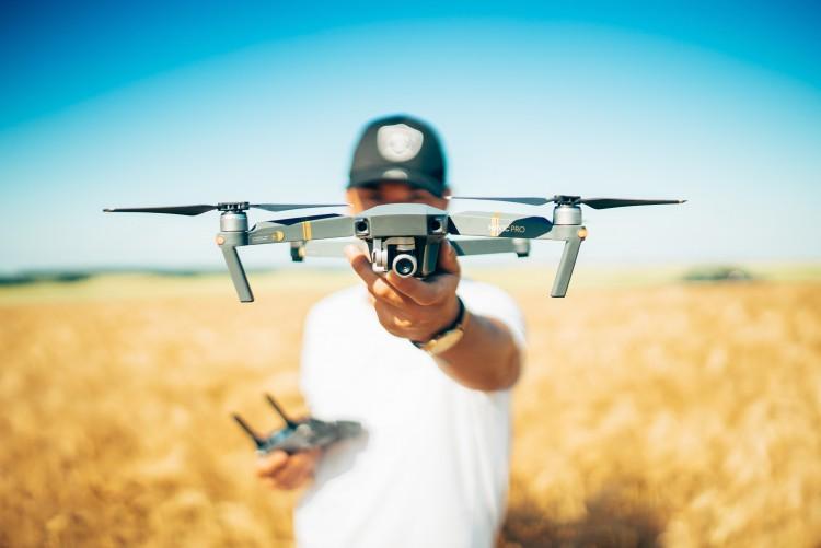 Regisztráltatni kell minden drónt az EU-ban