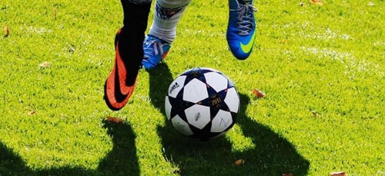 Változnak a szabályok a fociban!