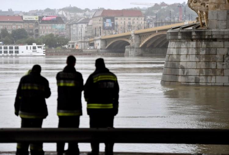 Már hét halottja van a dunai hajóbalesetnek