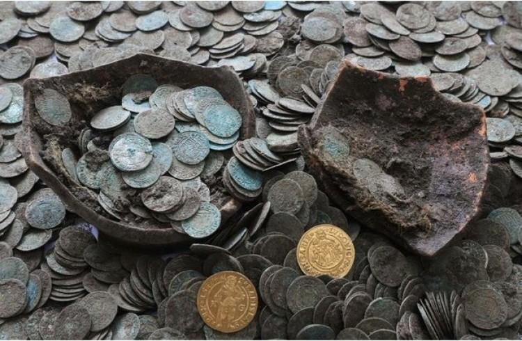 Vaddisznók túrták ki a középkori magyar kincset