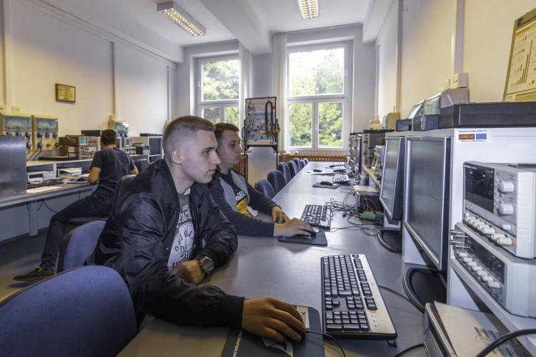 A mérnöké a jövő! Együttműködik a Miskolci Egyetem és az NI