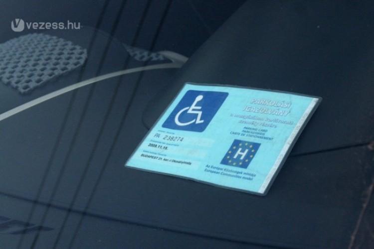 Rokkantkártyát hamisított Debrecenben