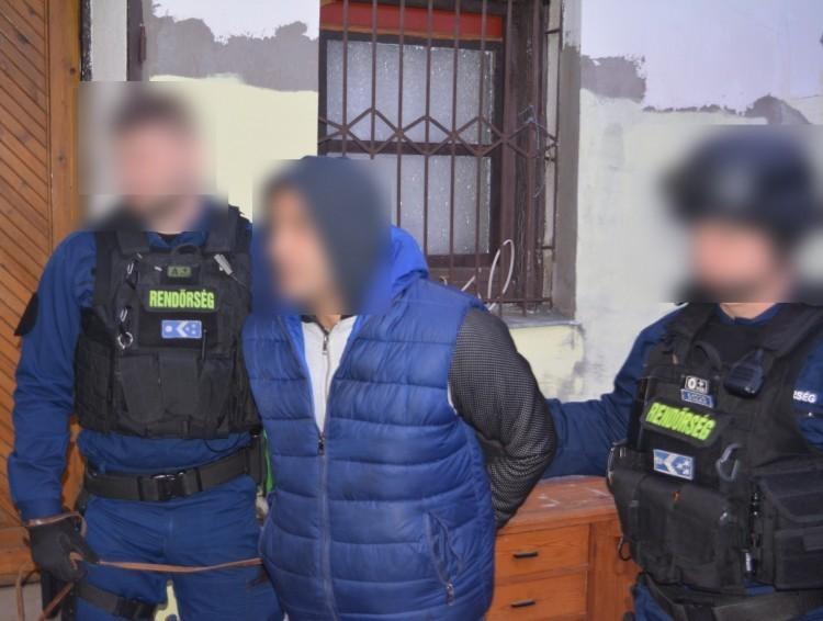 Kényszervallatással vádolta a debreceni rendőröket