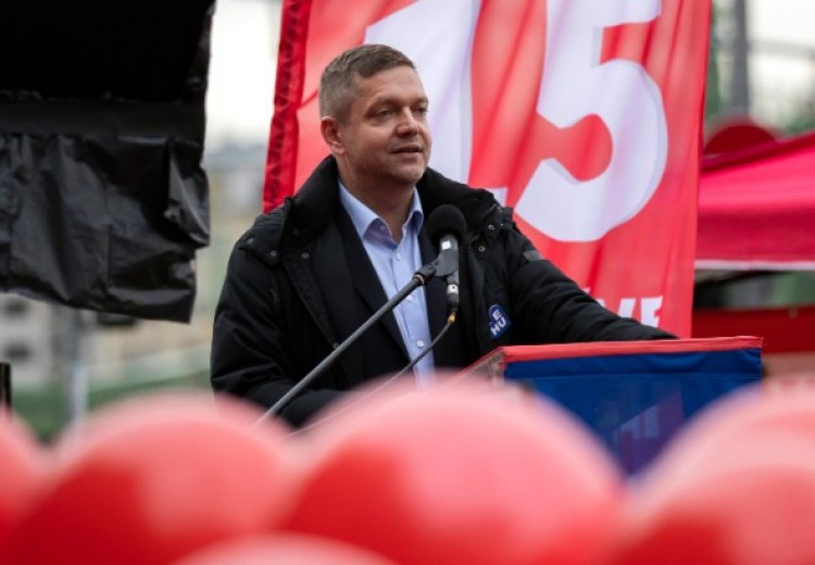 """Az MSZP elnöke Debrecenben: """"Meg kell állítani azokat, akik elárulják a hazájukat"""""""