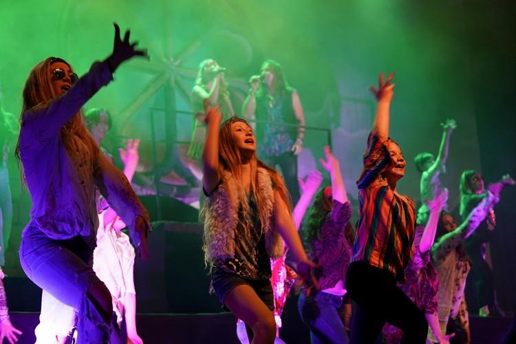Egyetemre megy a debreceni musicalszínház