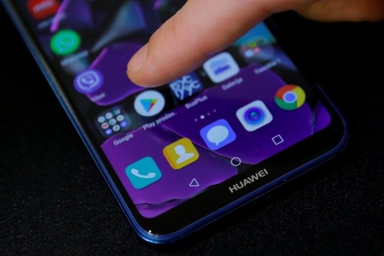 Feloldják a Huawei elleni szankciókat