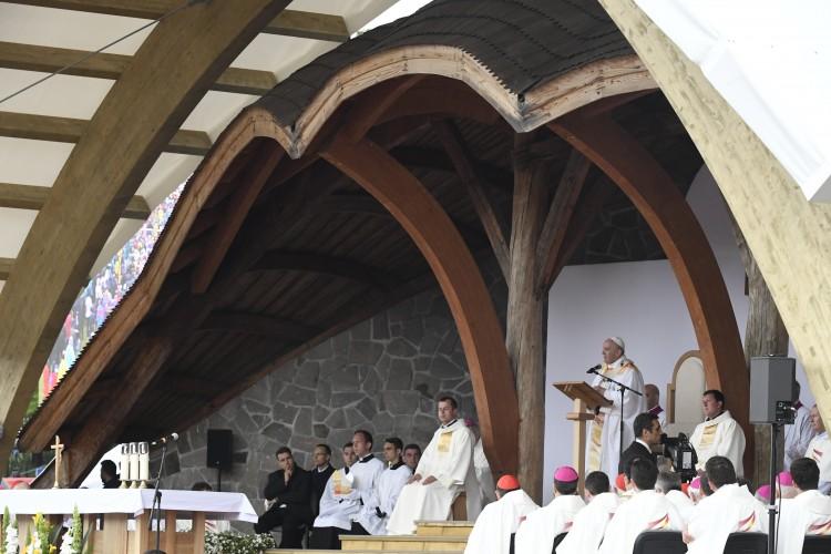 Ferenc pápa Erdély örökségéről is beszélt Csíksomlyón