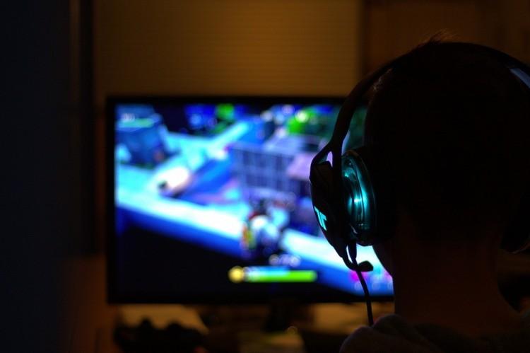 Játékfüggők országa: ennyi ideig nyomják naponta a gépet