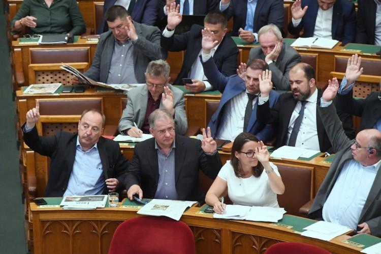 Már tárgyalják a lex Czeglédy törvényjavaslatot