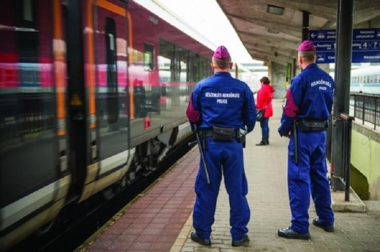 Rend lesz és fegyelem a debreceni vasútállomáson