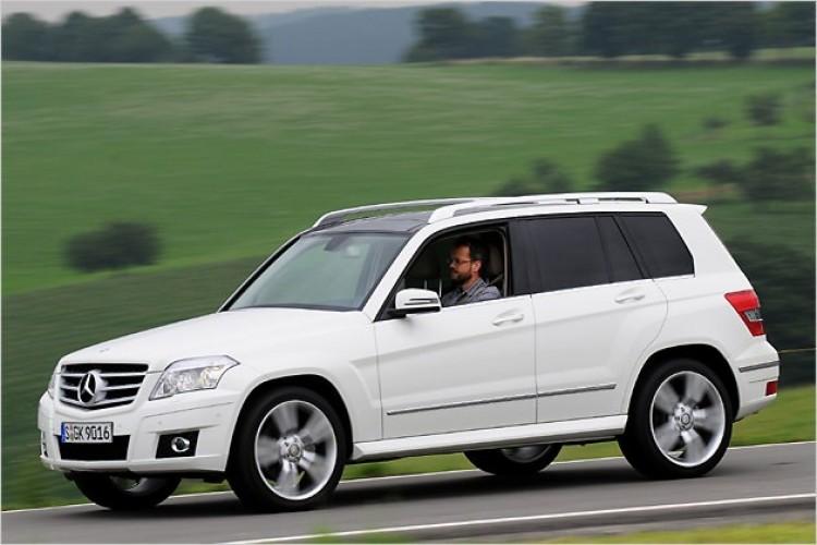 Több tízezer Mercedest kell visszahívni