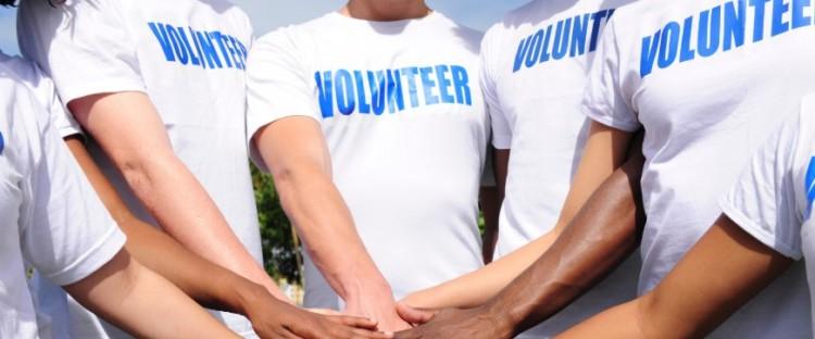 Önkénteseket keresnek a foci EB-re!
