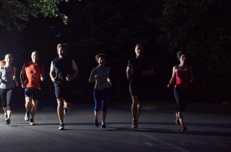 Mécsesekkel világítják meg a debreceni utcákat