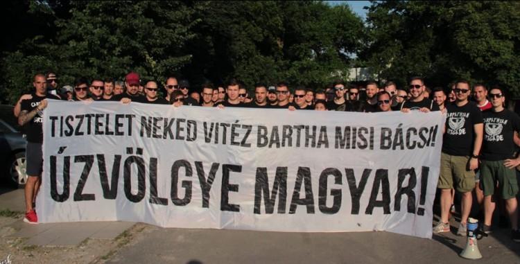 A magyar szurkolók így üzentek a 95 éves székely veteránnak!