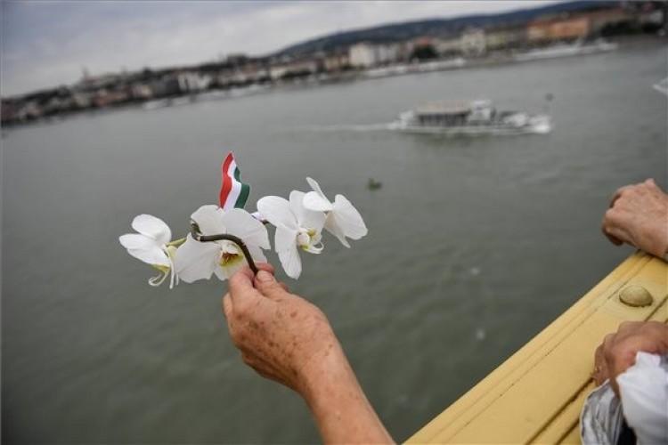 Búcsút vettek a Hableány magyar áldozataitól