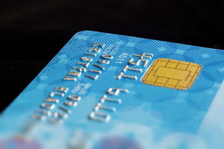 Így tüntethetik el a kártyájáról a pénzt 5 ezer forint alatti tételekkel