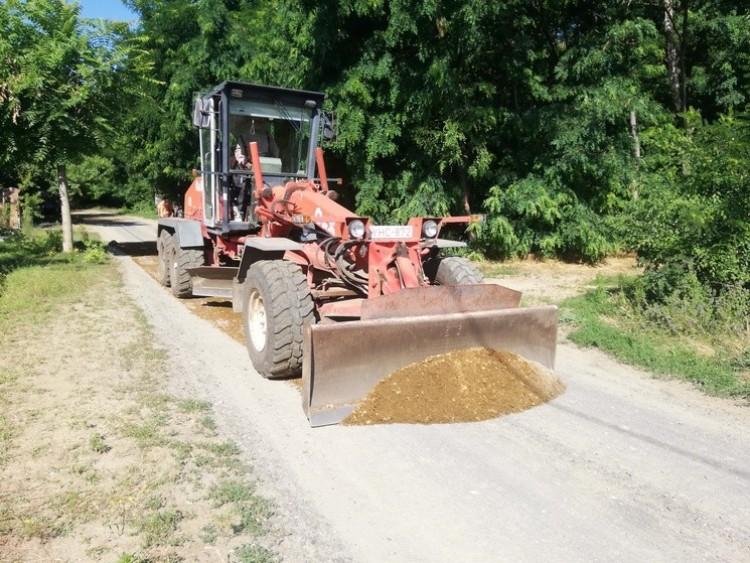 Stabilizálják a földutakat Debrecen-Józsán