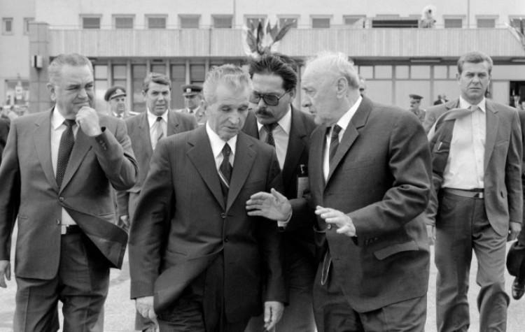 Magyarország első számú vezetője volt, de most szent földben nem nyughat