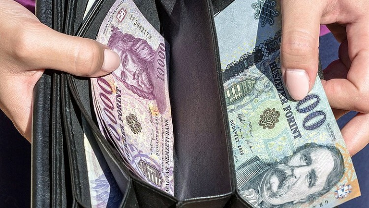 KSH: közel 365 ezer forint az átlagkereset Magyarországon