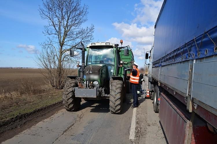 Segítségnyújtás helyett elhajtott a balmazújvárosi traktoros
