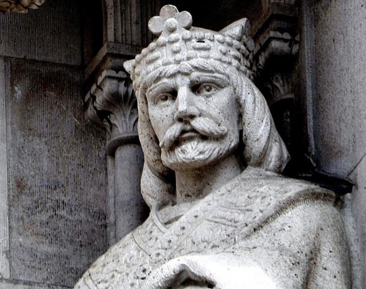 Magyar király sírjára bukkanhattak Pécsen