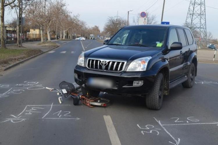 Terepjáróval gázolt el egy biciklist Debrecenben