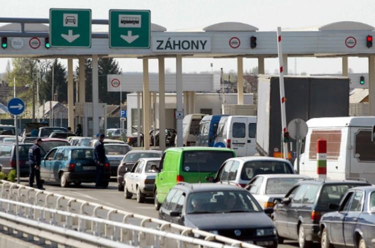 A debreceni ügyészség súlyosabb büntetést kér a korrupt határrendészekre