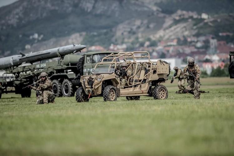 Katonák szenvedtek balesetet Székesfehérvárnál – FRISSÍTÉS