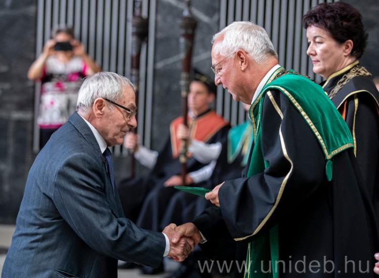 Öregdiákjait köszöntötte a Debreceni Egyetem