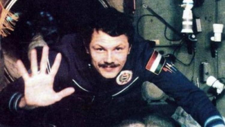 Hetvenéves az egyetlen magyar űrhajós