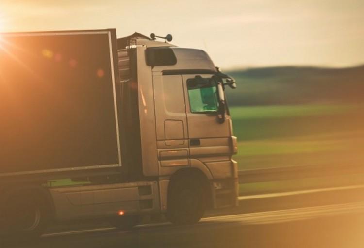 Megolvadt egy kamion Püspökladányban