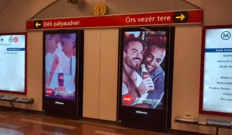 Meleglobbi a budapesti metróban