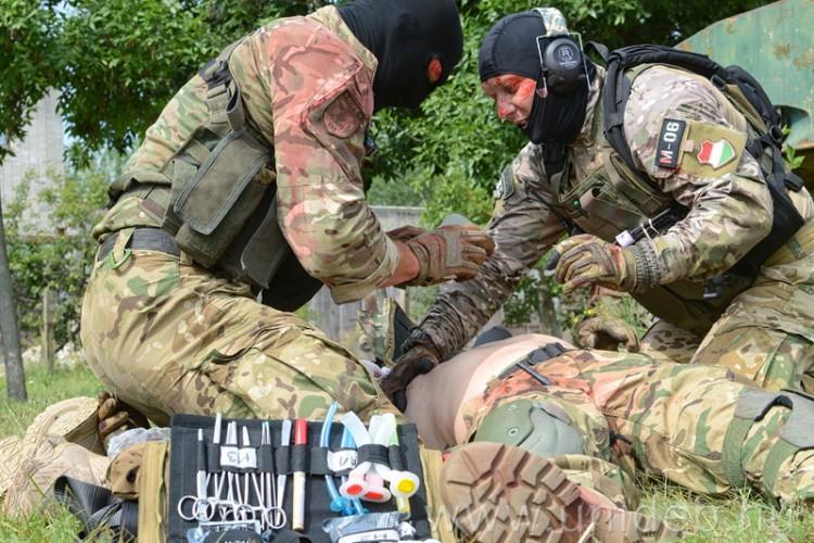 Életmentés a harctéren, Debrecenben képezték a katonákat