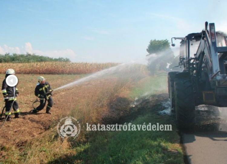 Hortobágyi tűz: második napja oltanak