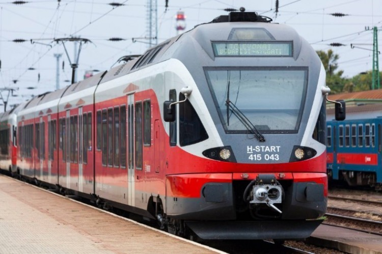 Újraindult a vonatközlekedés a Hatvan-Nyíregyháza vonalon