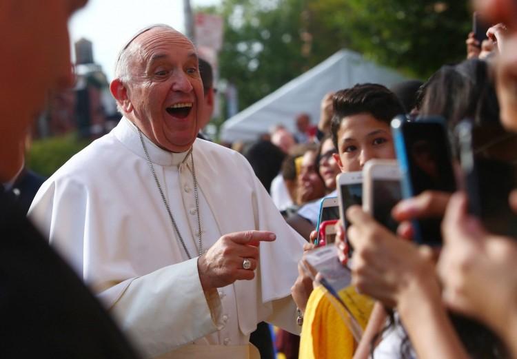 Tűzoltók mentették ki Ferenc pápát
