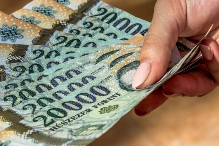 KSH: 362 ezer forint volt a bruttó átlagkereset júliusban