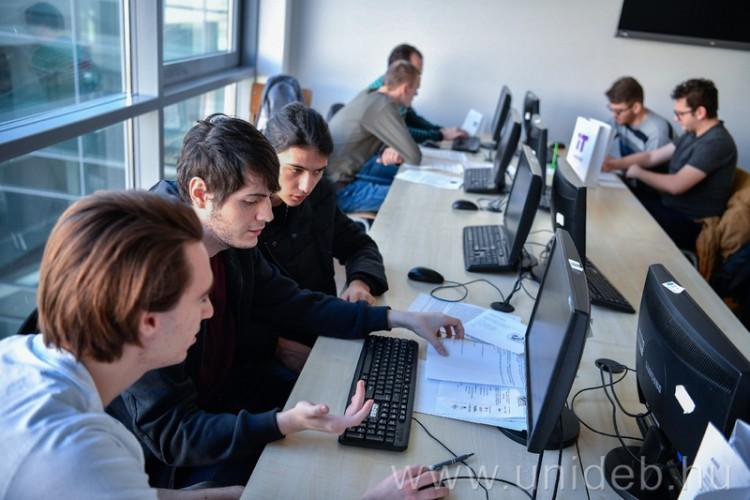 Debrecenben várják a jövő informatikushallgatóit